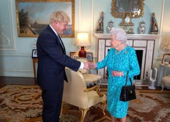 Isabel II recibe a Boris Johnson