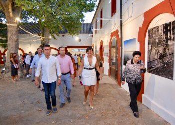 Visita municipal a la exposición en Cortijo Guadacorte