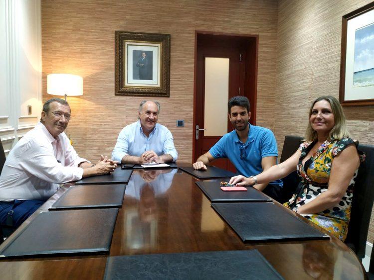 El alcalde recibió al talentoso Diego Valdivia