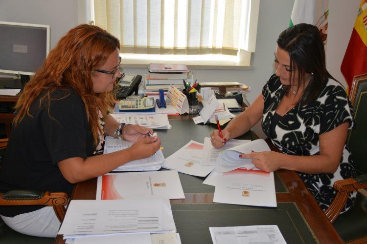 Reunión en Alcaldía sobre la frecuencia de autobuses de San Roque al Hospital de La Línea