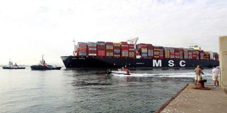 El portacontenedores MSC Mina en el Puerto de Algeciras.