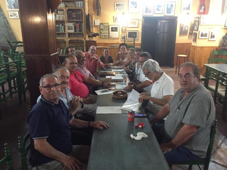 Imagen de la última reunión de junta directiva de la Peña Cultural Linense, esta semana.