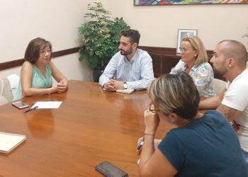 PSOE y Podemos, reunidos con la concejal de Servicios Sociales de Jerez