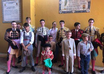 Los participantes en el festejo taurino