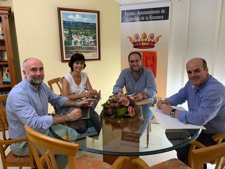 Reunión en el Ayuntamiento de Castellar sobre temas turísticos