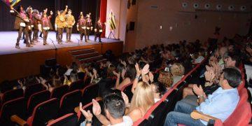 Numeroso público en el homenaje a Juan Carlos Aragón