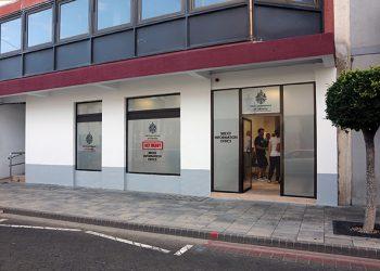 La oficina está situada en el 323 de Main Street