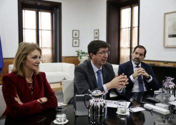 Juan Marín, María José Torres y Francisco Ontiveros.