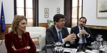 Juan Marín, María José Torres y Francisco Ontiveros. Archivo
