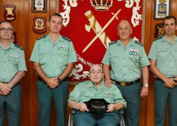 Homenaje de la Guardia civil a Juan Osorio