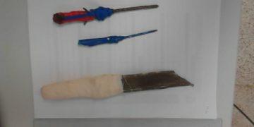Varios pinchos carcelarios requisados en Botafuegos.