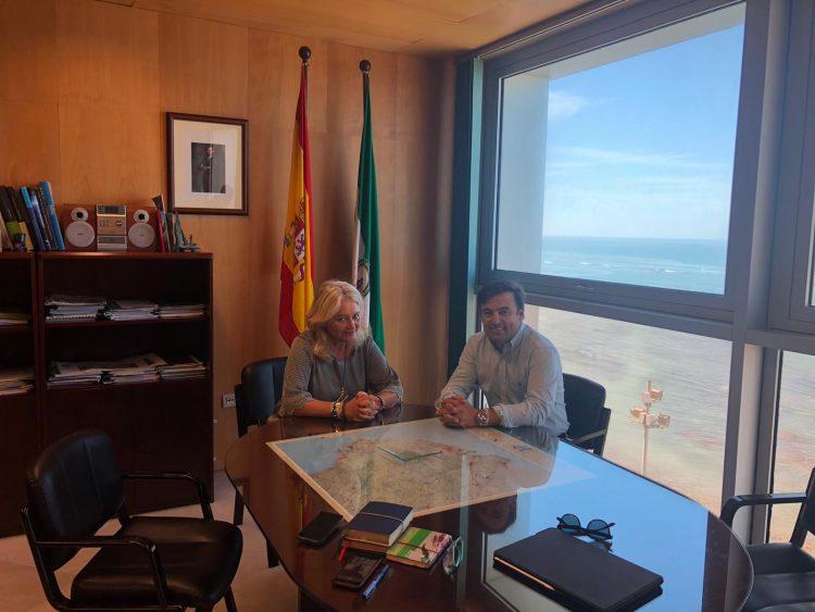 Mercedes Colombo y David Gil, reunidos en Cádiz
