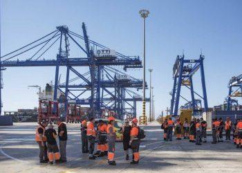 Imagen de archivo de estibadores del puerto de Algeciras