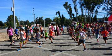 Participantes en la Carrera Solidaria contra el cáncer infantil