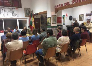 Militancia del PSOE tarifeño, reunida