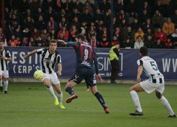 Los de Jordi Roger se estrellan frente al Yeclano Deportivo