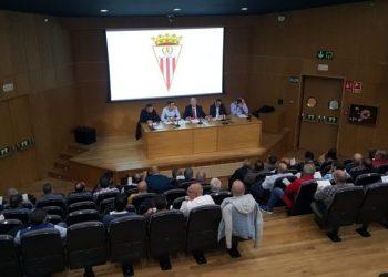 Un instante de la asamblea de socios del Algeciras CF