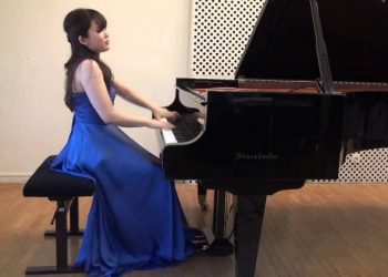 Saki Nishioka, al piano