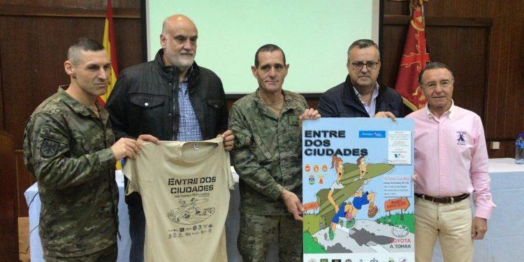 Los organizadores presentan la VIII Carrera Cívico Militar 'Entre dos Ciudades'
