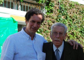Juan Villalobos y su hijo, Jesús, en una imagen reciente.