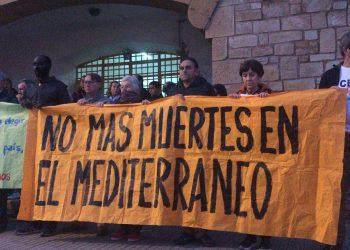 Una veintena de personas responden al llamamiento de la Asociación Pro Derechos Humanos
