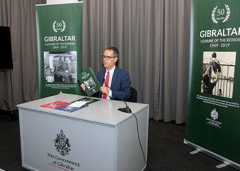 García en la presentación del libro sobre el cierre fronterizo