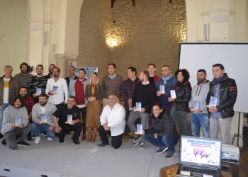 Ayuntamiento y empresarios, durante la presentación