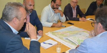 Imagen de la reunión para abordar el tema del fondeadero