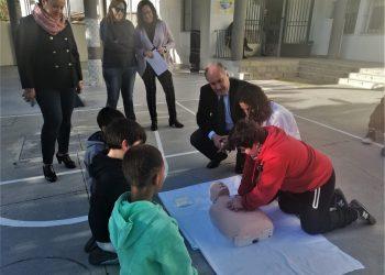 El alcalde, José Ignacio Landaluce, asiste a una de las clases.
