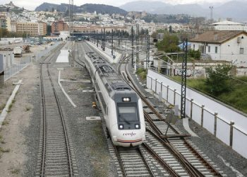 Un tren regional Algeciras-Granada. Archivo