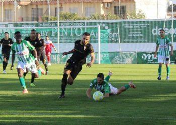 El Algeciras, a la senda de la derrota