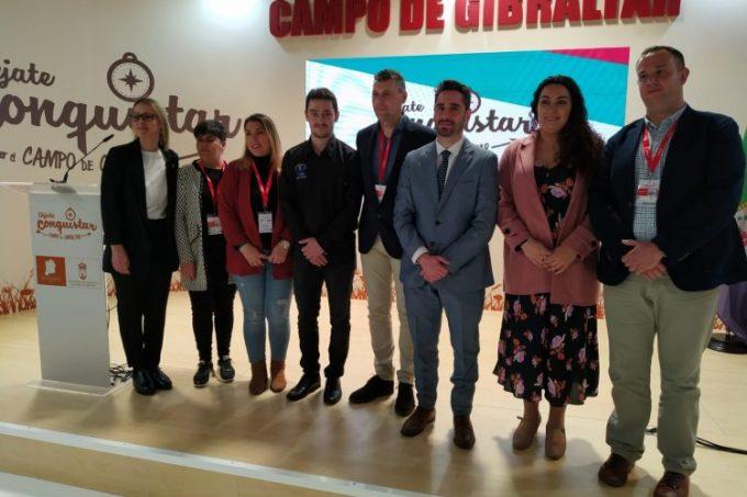 Foto de familia de la presentación en Jimena