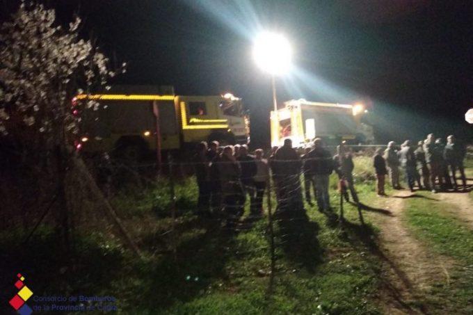 Bomberos rescatan el cuerpo del ganadero