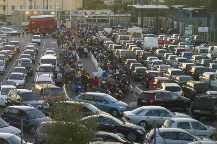 Colas Gibraltar frontera