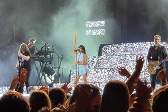Aitana durante el concierto en la Plaza de Toros de Algeciras. Foto de Chema Hidalgo